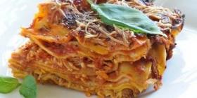 Lasagnes à la bolognaise via Wikimedia Commons