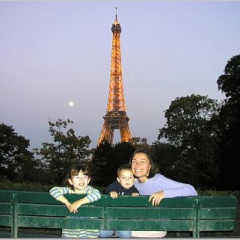 Tour Eiffel en famille via Flickr par Chef Druck