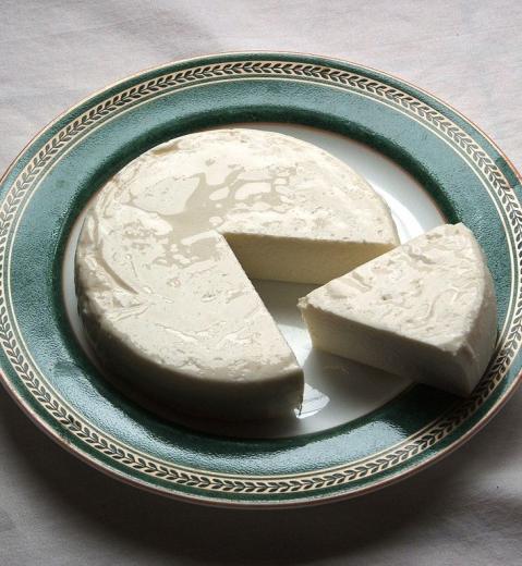 Tapas de queso fresco y membrillo par Geoff via Wikimedia Commons